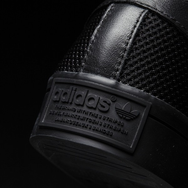 adidas Originals Court Vantage (S76660) - Core Noir/Core Noir/Core Noir -Unisex