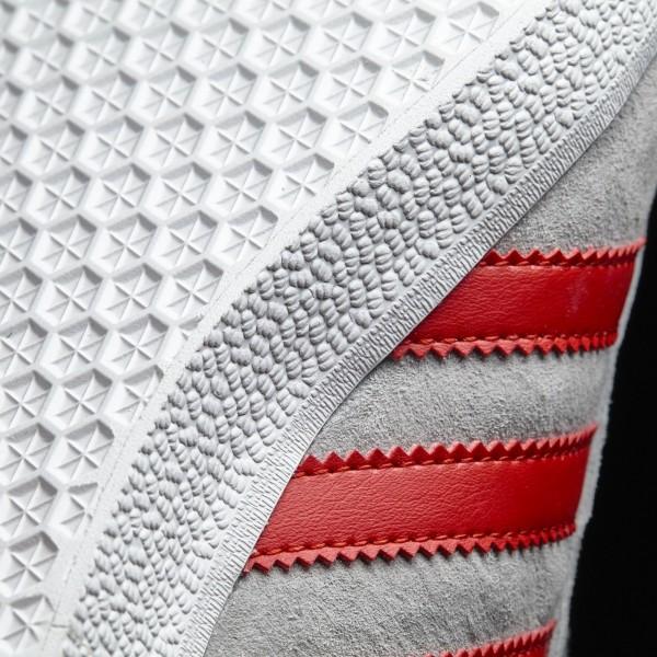 adidas Originals Gazelle (BB5257) - Medium gris Heather Solid gris/Scarlet/Footwear blanc -Unisex