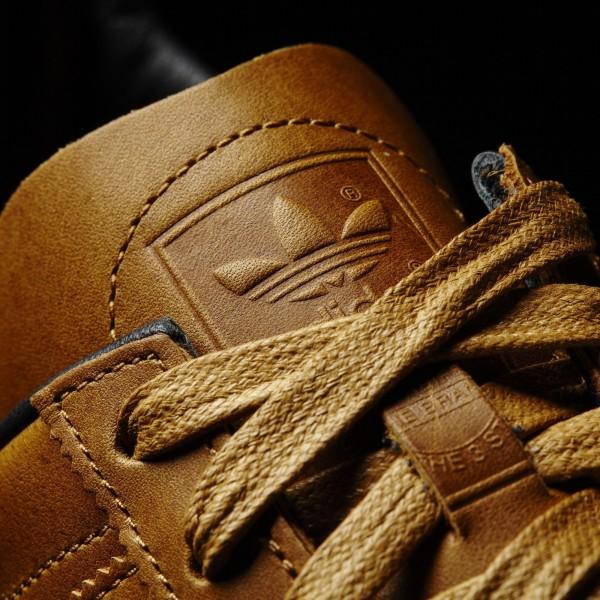 adidas Homme Originals Jeans (BB5273) - Mesa/Core Noir