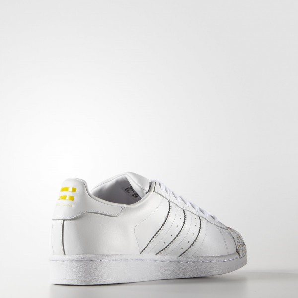 adidas Homme Originals Superstar Pharrell Supershell (S83368) - blanc / blanc / Jaune